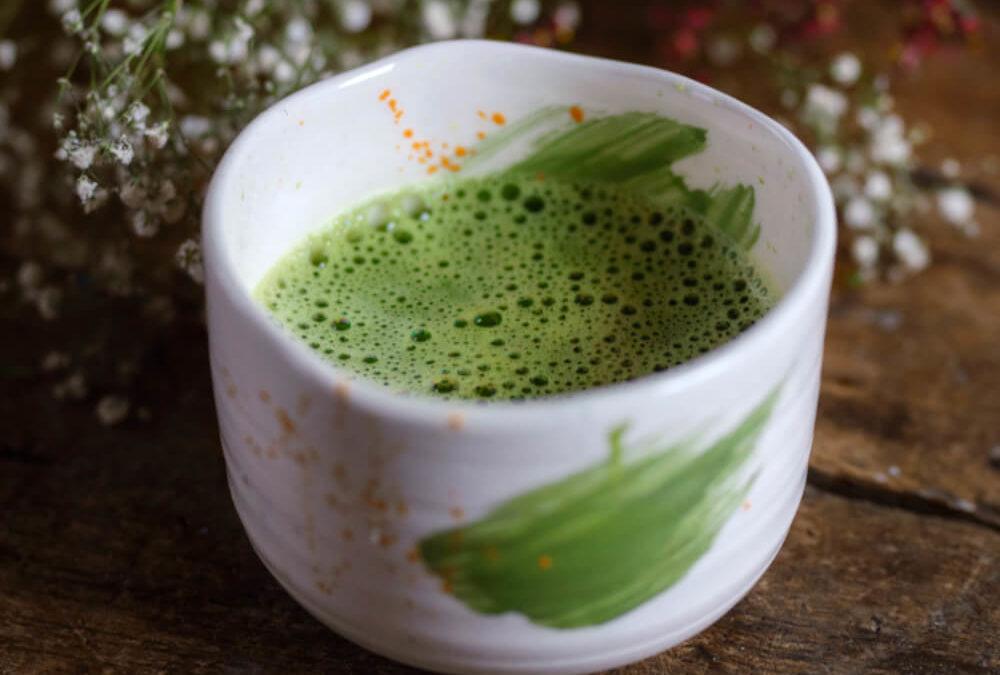 Czy herbata zielona odwadnia organizm?