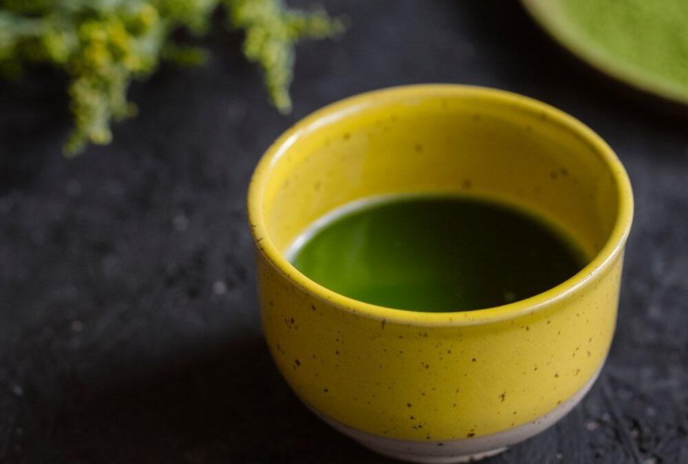 W jakich ilościach spożywać zieloną herbatę?